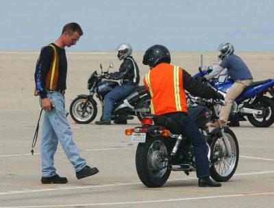 Assurance moto quel meilleur trarif pour les jeunes conducteurs de mot