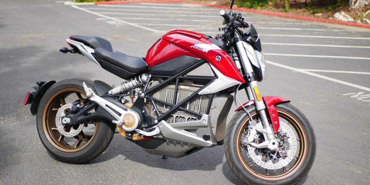 nouvelles motos électriques américaines impressionnantes comme la Zero SR f